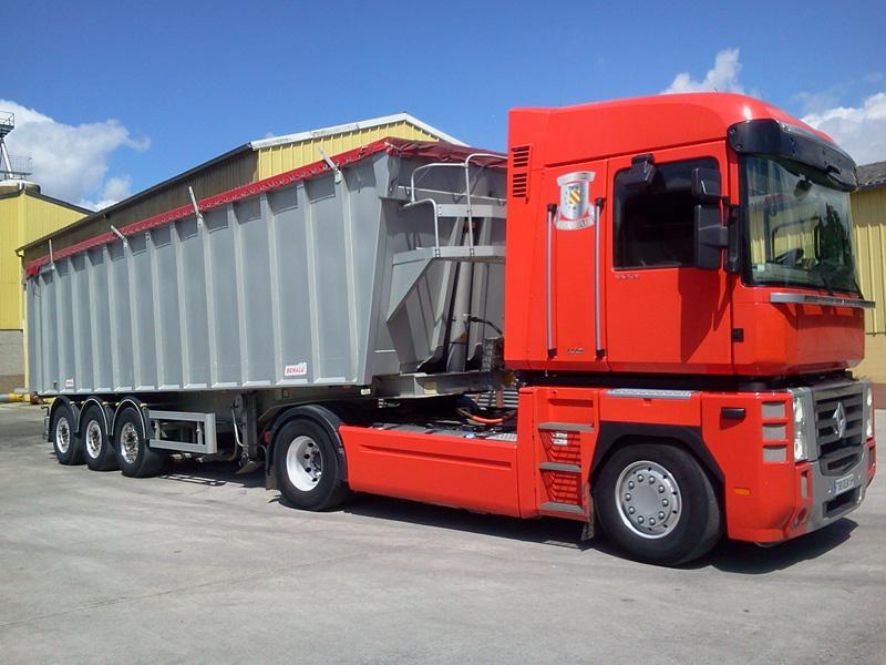 Camion transporteur BTP